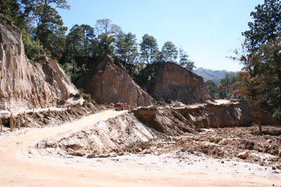 Flood damage, road to Tetela