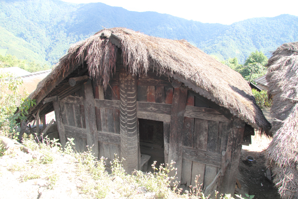 Traditional architecture in Zingsui village.